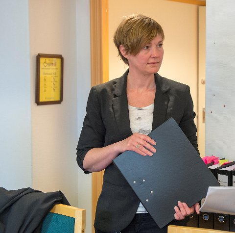 Politiadvokat Inger-Lise Høyland forteller at alle de syv ungdommende skal avhøres søndag.