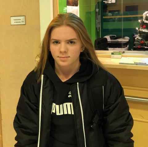 Thea Kuraas og Norge gikk på første tap i U18-VM i ishockey.