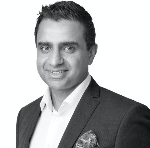 SUPERMEGLER: Soliman Sarwar er fortsatt en av landets mestselgende eiendomsmeglere. Foto: Privat
