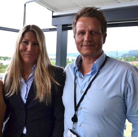 FREMMER GJØVIK-REGIONEN: Karoline Hammer-Larsen og Kent Johnsen satser på å profilere tilbudene regionen har å by på for å tiltrekke seg kurs og konferanser.