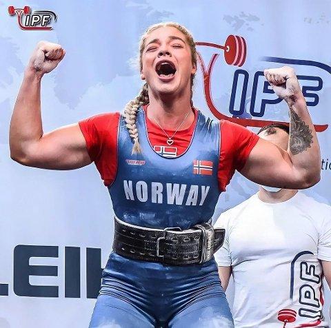 VERDENS TREDJE STERKESTE: Isabell Adolfsen (22) er en av verdens sterkeste kvinner. Nå har hun fått seg jobb i Drøbak.