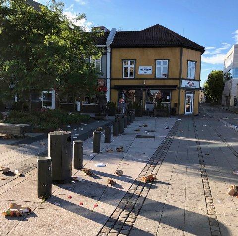 Slik så det ut på Stortorvet 06.30 søndag morgen.
