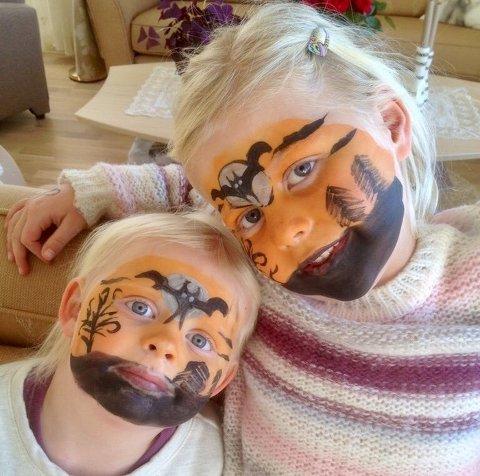 ANSIKTSMALING: Artig med Halloween, synes Vilje og Linnea.