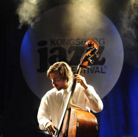 BASSIST: Christian Meaas Svendsen har holdt flere konserter i Kongsberg. Nå er han ute med nytt album