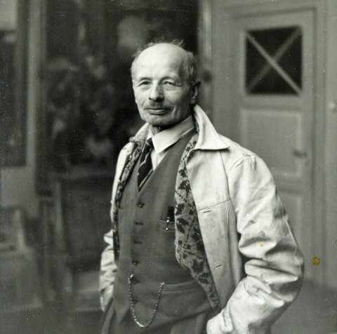 KUNSTNEREN: Her er et bilde av maleren Anders Castus Svarstad. Han døde i 1943. Gjengitt med tillatelse fra Hole Historielag.