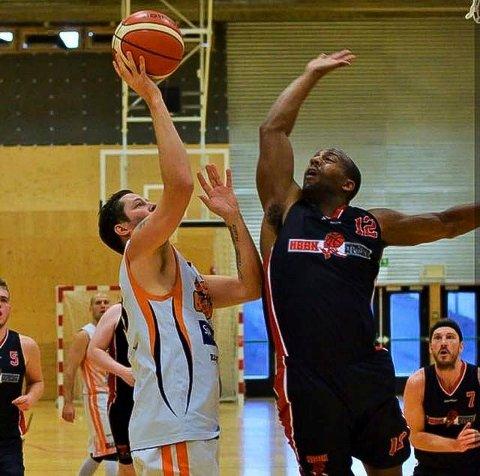 Mot toppen?: Herrelaget til Hønefoss basketballklubb er på vei tilbake ti 1. divisjon.