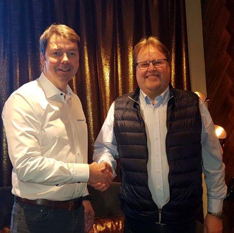 ENIGE: Pål R. Amundsen hos Kroken Caravan Detalj og Hans Erik Kingsrød er begge fornøyde med avtalen som er inngått.