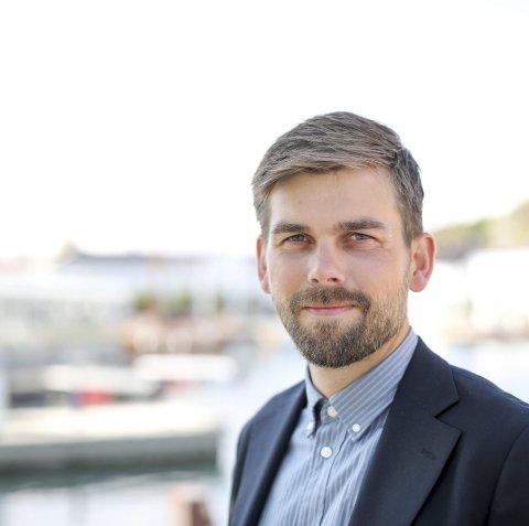 Insentiv: Næringssjef Bård Birkedal sier rådmannen ønsker å støtte Risør By AS, men foreslår en intensivordning der selskapet selv må hente mer penger ute blant medlemmene og andre.Foto: arkiv