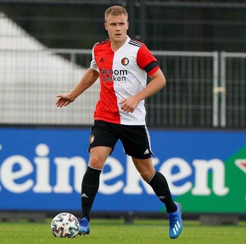FORLENGER: Sondre Skogen trives i Feyenoord-drakta og er fornøyd med å forlenge med klubben. –  Jeg  ønsker å være i Feyenoord så lenge som mulig, sier 20-åringen fra Lierne til NA om fremtiden som fotballspiller.