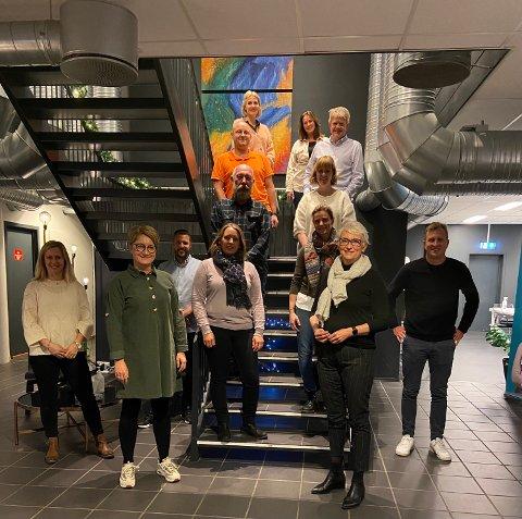 GLEDESPREDERE: Denne gjengen og de andre som jobber i iFokus, iVekst, Global Learning og Sammen for livet, har gjort et grep som bidrar til mye glede i Larvik denne julemåneden.