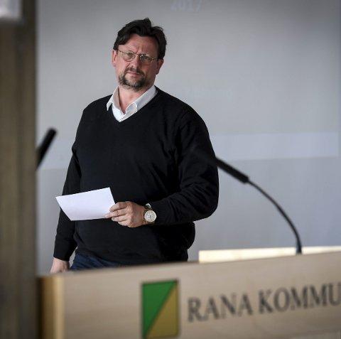 Nils Notler fra Arbeiderpartiet står i skatteoppgjøret registert med null i inntekt og 9,9 millioner i formue. Han sier at ingen av tallene stemmer. Foto: Øyvind Bratt