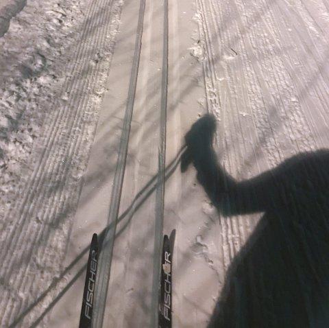 Skitur: Avslørende skygger i lysløypa!