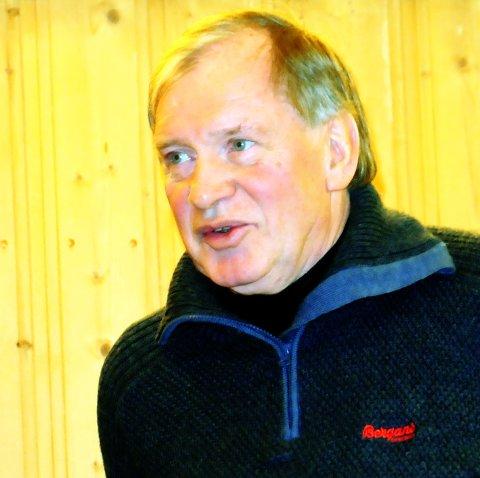 LEGE: Anton Hole fortsetter som lege i Lesja.