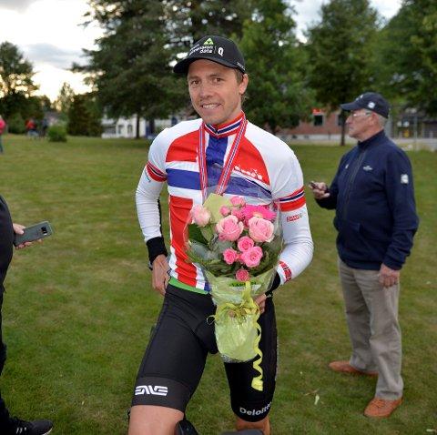 Edvald Boasson Hagen sikret seg sin tidene seier på NM-tempoen etter en meget dramatisk og spennende sluttspurt.