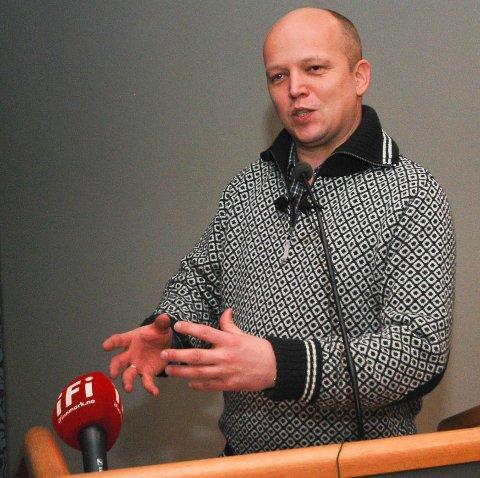 KJEMPER: Senterpartileder Trygve Slagsvold Vedum kjemper for Hurtgiruten, som sliter etter at Norge ble rammet av koronapandemien.