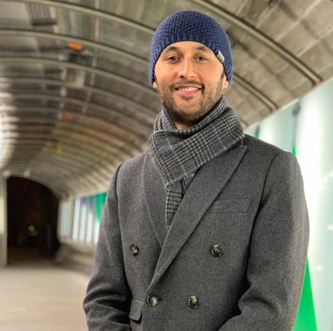 NY I NORD: Nepaleseren Raju Sitaula har nettopp flyttet fra Oslo til Berlevåg.