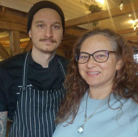 GADUS: Sønn Tommi Bjørnsen og mor Anette Morrison starter opp en ny restaurant på Hamnøy.