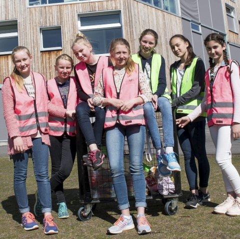 Trivselselever: Ved Mesterfjellet skole skal disse sørge for at elever er aktivisert og oppfordre til lek og samhold i skolegården.