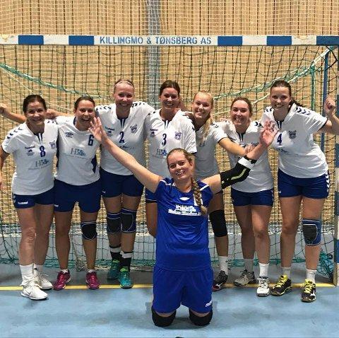 GULLJENTENE: Damelaget til DIL overrasket alle da de tok gull i b-sluttspillet under helgens Smaalenenes Cup.