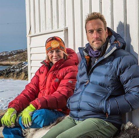 På besøk: Den kjente britiske reporteren Ben Fogle var på Naustholmen i en hel uke for å lage dokumentar om reiselivsaktør og fjellklatrer Randi Skaug.