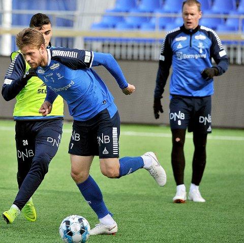 MATCHBALL: Ole Jørgen Halvorsen og resten av Sarpsborg 08-laget har en liten matchball mot Haugesund søndag.