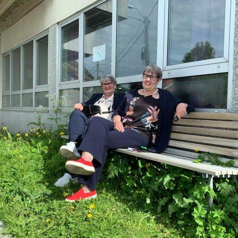 Gulle Floer og Elisabeth Bjønnes Hansen ønsker at det ble pyntet med blomster utenfor Nordkapp Bo- og Servicesenter.