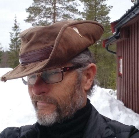 FRILUFTSMANN: I tillegg til golf, trives Ole Lorentzen med både kajakkpadling, hytteturer og fisking.