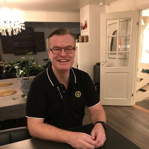 POSITIV: Koronaviruset har skapt utfordringer for idretten i Ullensaker. Styreleder Tim Holmvik i Ull/Kisa Innebandy fokuserer på de positive konsekvensene.