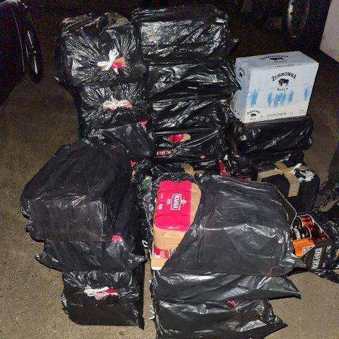 Alkoholen ble beslaglagt og sjåføren ble ilagt et forelegg på 40.000 kroner.