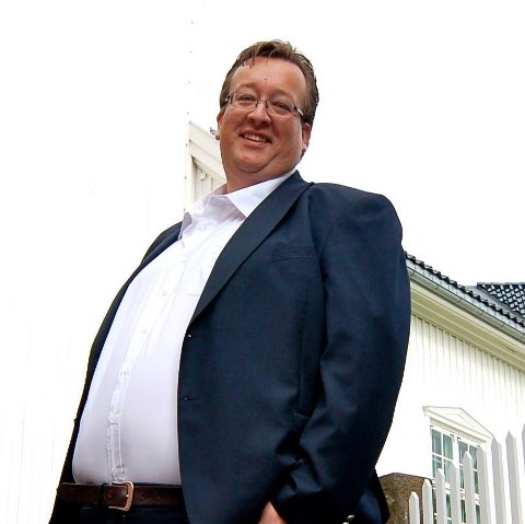 For Jan Kristian Hverven har korona-situasjonen gitt omsorg en ny betydning; paradoksalt har det ifølge han blitt å holde avstand.