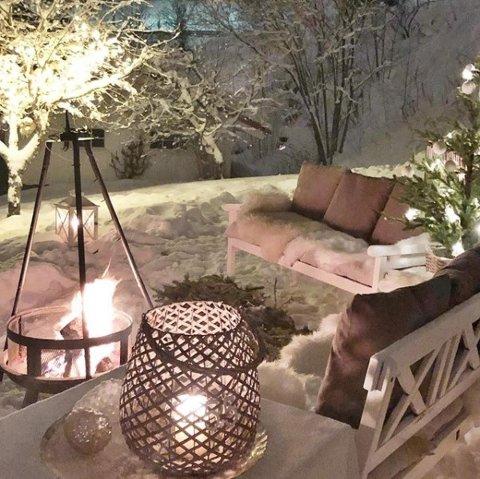 Julestemning med førjulsgløgg i hagen. #julestemning #fagernes #valdres #julivaldres @avisavaldres