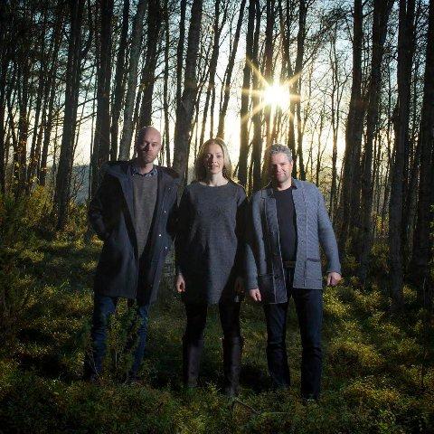 SØNVIS: Det blir en halvtimes gratiskonsert med Vegar Dahl, Kirsti Sæter og Jo Ryen i Sønvis, sammen med en eller flere av deres faste musikere. Arkivfoto: Øyeblikket Foto.