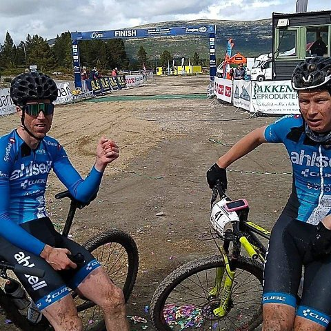 Gode prestasjoner: Knut Erik Nesteby, til venstre, og Eirik Fiskvik etter målgang lørdag.