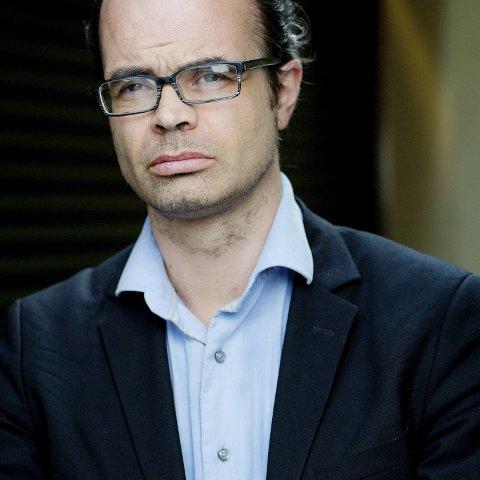 BOKBAD: Historiker og forfatter Hans Olav Lahlum kommer til Tynset 18.februar.