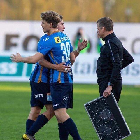 VARIGE BÅND: På fotballbanen skapes relasjoner for resten av livet. Spillerne på bildet er NTG-guttene Peder Vogt og Hugo Vetlesen.