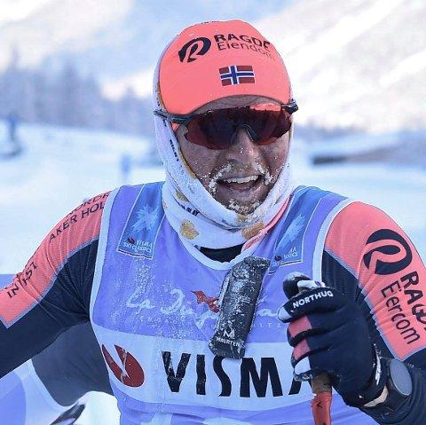 TESTER MUSKLER: Joar Thele er i ferd med å sprenge grenser på ski. Foto: Fischer Nordic / Facebook