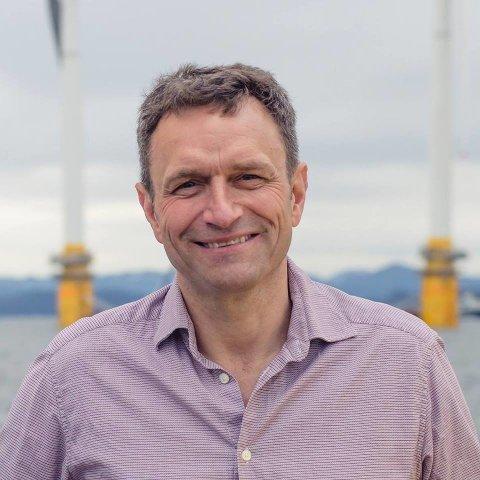 Arild Hermstad, 1. kandidat for Miljøpartiet Dei Grøne i Hordaland, meiner at ein ikkje lenger kan akspetere oppdrett i opne merder.