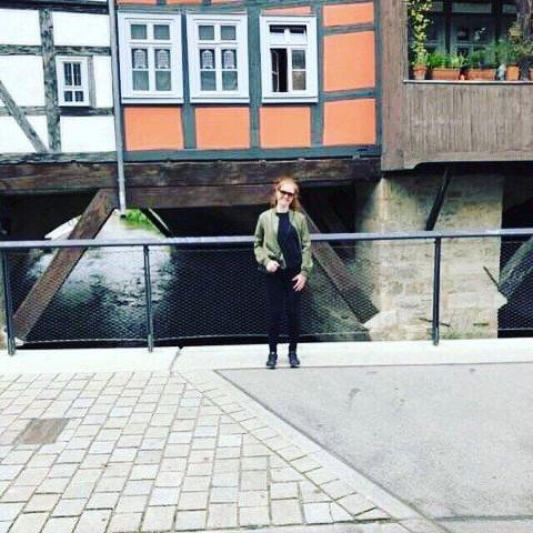 – I sommer har jeg flyttet til Tyskland, så hele sommerferien min gikk til forberedelser og flytting til et nytt land. Så resten av sommeren går til mye trening med det nye laget mitt, sier Marie Davidsen.