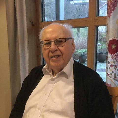 «Markvard Sellevoll var ikkje berre ein banebrytande forskar; han var også ein framifrå leiar. Han hadde aldri lest bøker om leiarskap; leiarstilen hans var naturleg, varm og omsorgsfull.», skriv Inge A. Alver i dette minneordet. Her er Markvard Sellevoll avbilda på 95-årsdagen sin 14. november 2018.