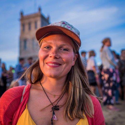 FRÅ HOVUDSTAD TIL UTKANT: Marie Rosted Furuseth (34) frå Oslo er Utkant sin nye festivalsjef.