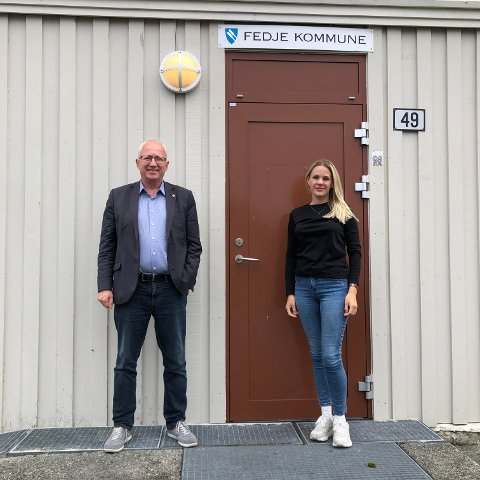 Rådmann i Fedje kommune, Gjermund Hagesæter, saman med helse- og omsorgssjef i kommunen, Annika Tvedt Villanger.