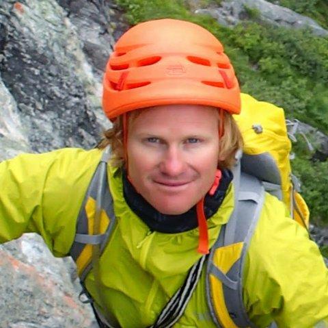 Signar Nilsen liker toppturer, både sommer og vinter. Foto: Privat