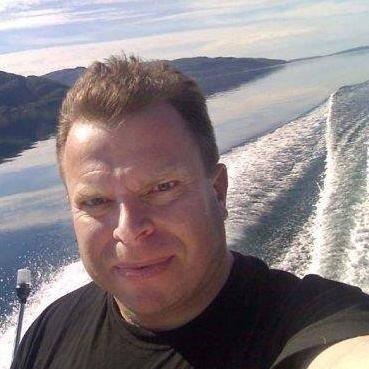 Lars Antonsen (56) er død. Han var kjent som mangeårig journalist i indre Salten.