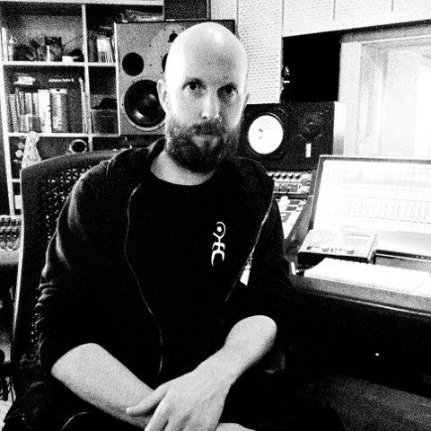 Hallstein Sandvin er klar med sin tredje utgivelse med bandet Hide Unas.