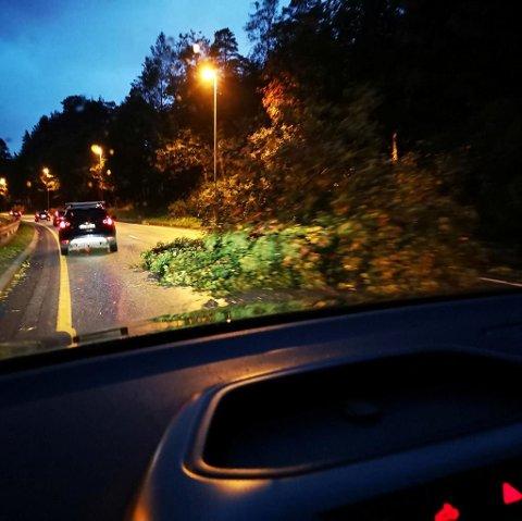 Tre i veibanen ved sjølinjen i Bergen onsdag kveld