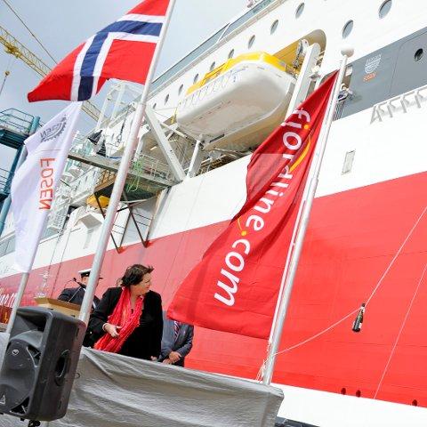 GUDMOR: Fylkesordfører Janne Johnsen i Rogaland døpte torsdag den første av Fjord Lines to nye cruiseferjer, MS «Stavangerfjord».