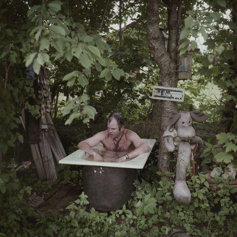 SKOGENS KONGE: Dette bildet av Dagfinn Kolberg tok Espen Rasmussen sommeren 2013, til en serie om bygdeoriginaler.