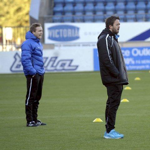 OPTIMISTER: Trenerteamet, her ved Lars-Gunnar Martinsen og Stian Ramsfjell, er fornøyde med å ha fått de spillertypene de ønsket.