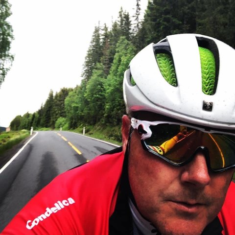 Odd Tuften i Sykkelkameratene har fått et substitutt for fravær av konkurranser. Nå gjelder det å hevde seg på Strava.