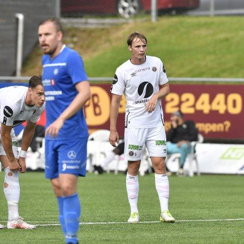 MÅLSCORER: Sivert Engh Øverby (til høyre) scoret sitt første mål for Mjøndalen i cupen mot Notodden.